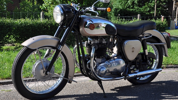 BSA A10 Golden Flash (650cc) - 12.JPG